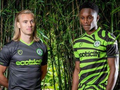 Fusy po kawie w strojach piłkarskich - Forest Green Rovers