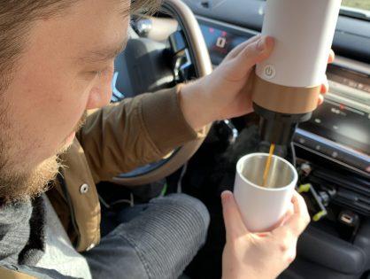 Kawa w podróży - zaparzacz samochodowy (a nawet dwa)